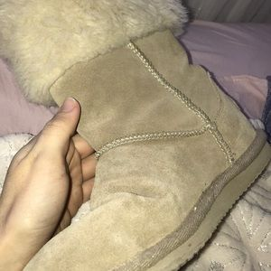 American Eagle Outfitters Shoes - American Eagle cream boots
